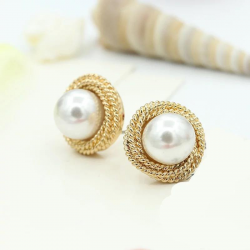 Whitley Pearl Stud - Gold